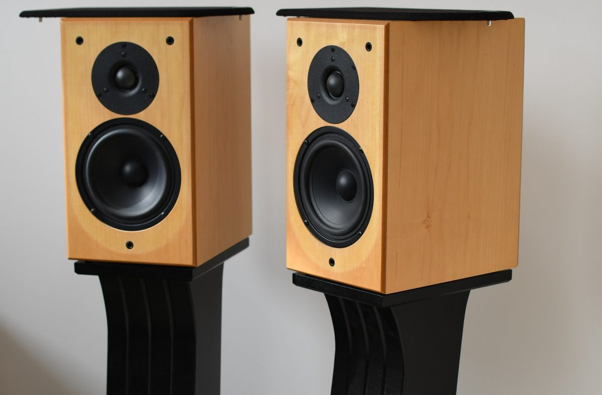 DIY Bookshelf Speaker Stands